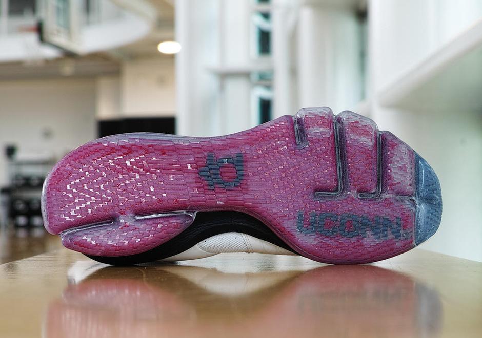 Nike KD 8 Elite UConn Huskies PE  8f9f4bbc23