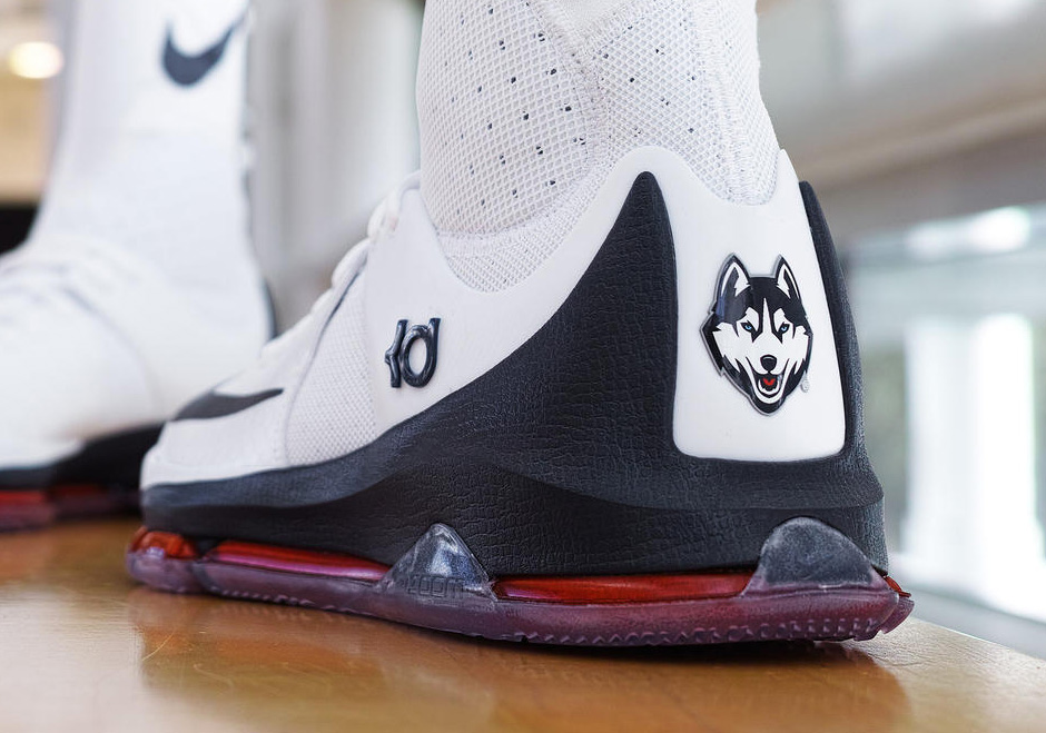 hot sale online 43ce3 958a3 Nike KD 8 Elite UConn Huskies PE   SneakerNews.com