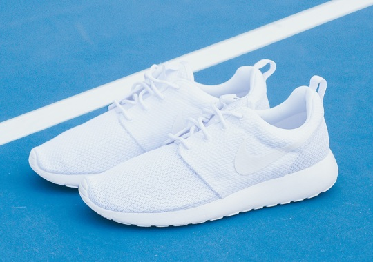 """The Nike Roshe """"Triple White"""" Is Back In Stores"""