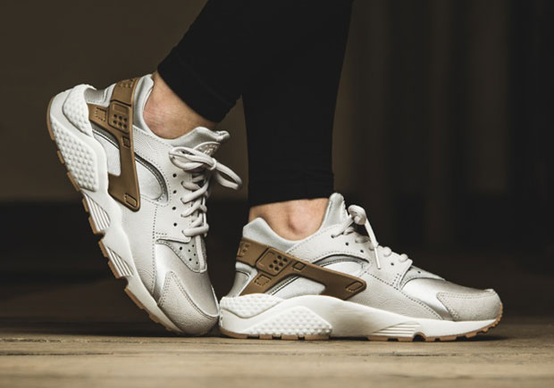 New Premium Nike Air Huaraches Are Coming Soon - SneakerNews.com f9e735a87