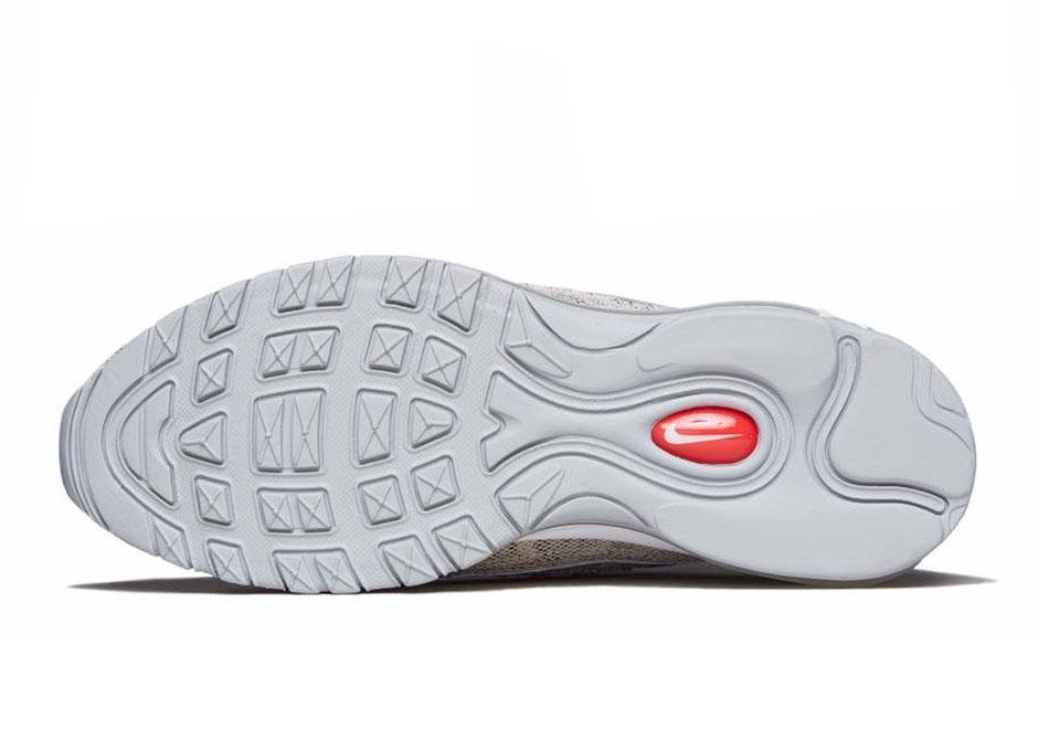 online store c4a6c e4ebc Supreme x Nike Air Max 98