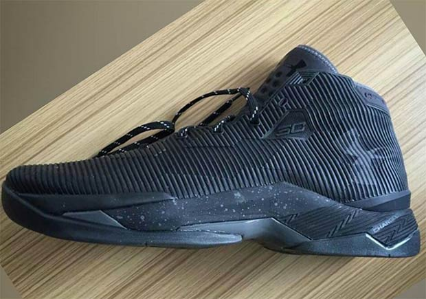 First Look At The Under Armour Curry 2.5