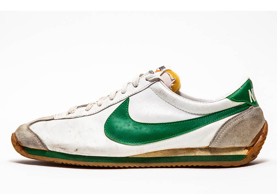 Vintage Nike Collectors - SneakerNews.com 2cafb474c