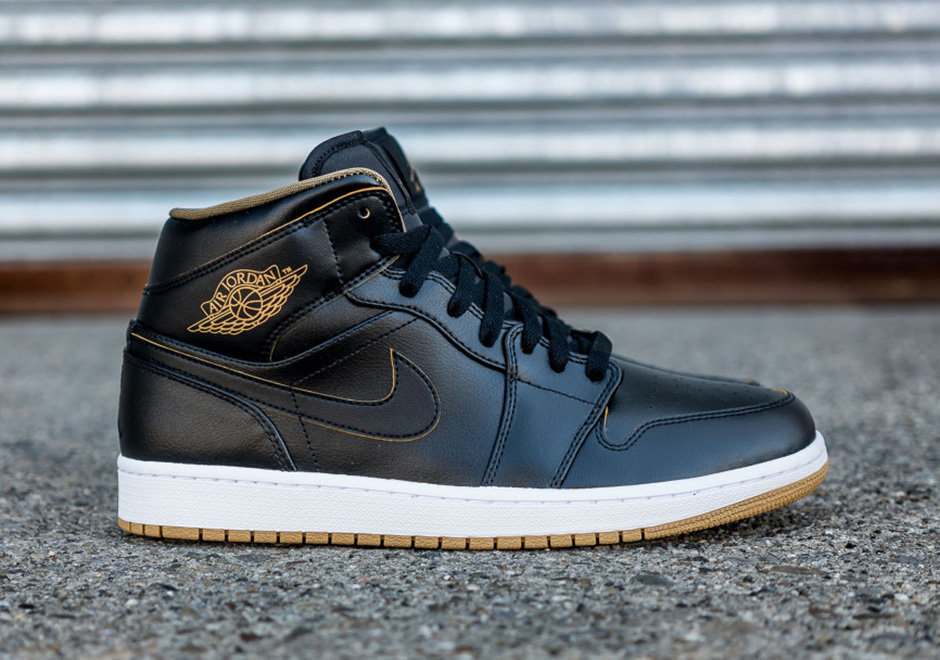 Air Jordan 1 Noir Avec Un Fond Blanc Mi