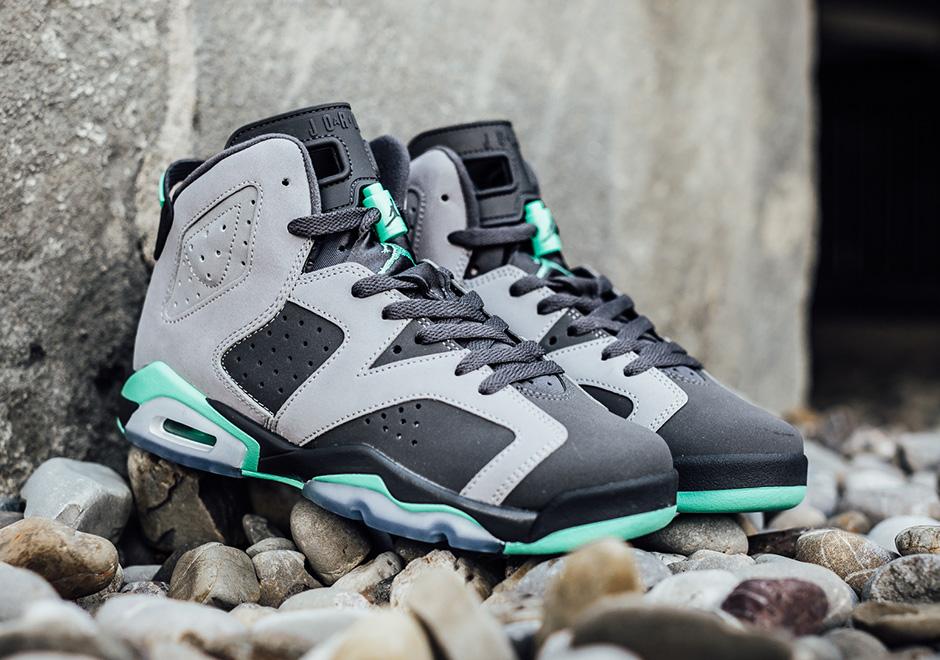 "Nike Air Jordan 1 Retro '89 ""Green Glow"" • Highsnobiety |Nike Jordan Glow"