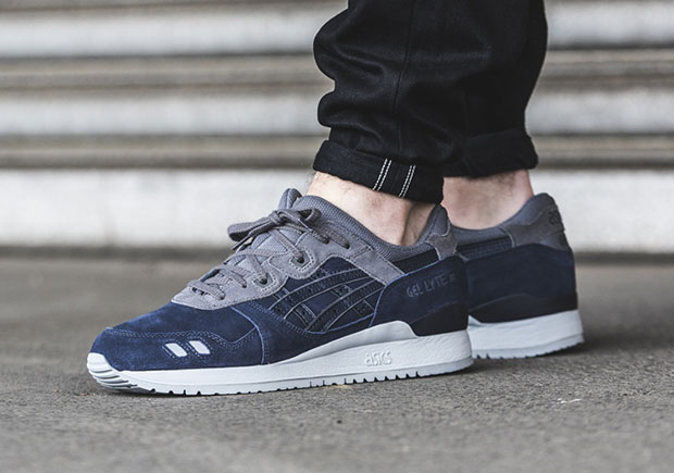 c5b516480449 Navy blue and grey combine on this latest colorway of the ASICS GEL-Lyte III  for a look that seems to have fans of the Georgetown Hoyas in mind.