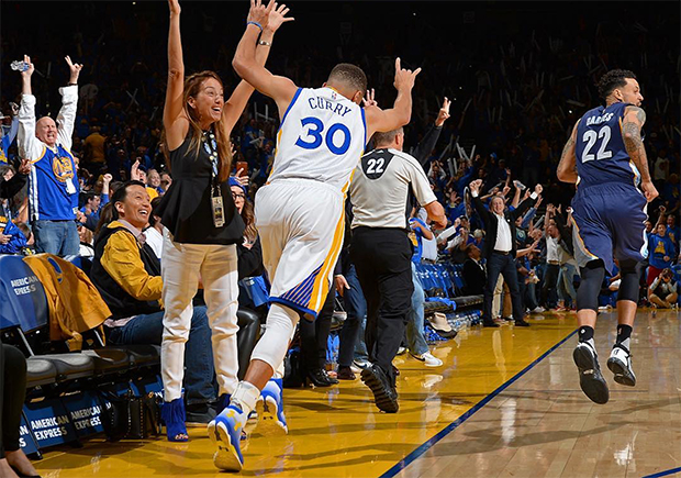 Steph Curry Leads Golden State To New Record Wearing The UA Curry 2.5