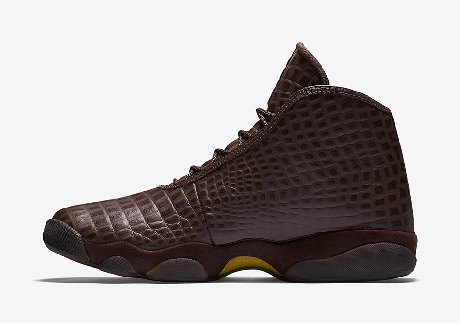 "Jordan Horizon PRM ""Brown Croc"". Color  Hazelnut Metallic Gold-Infrared 23.  Style Code  822333-205 e4e9e0b70d"