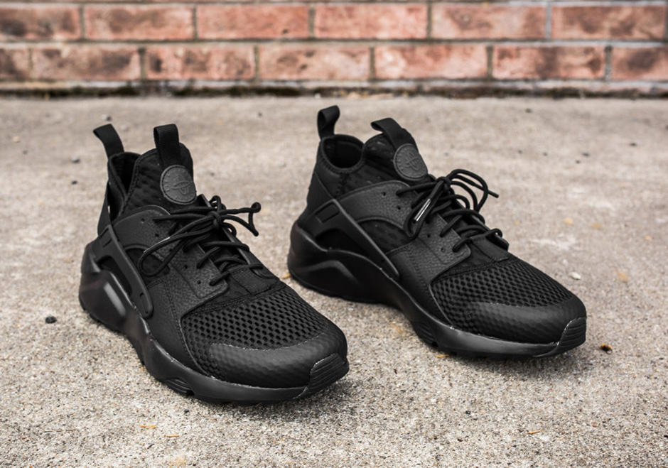 "meet 3dc38 c05a5 Nike Air Huarache Ultra BR ""Triple Black"" - SneakerNews.com"