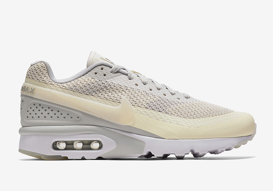 Nike Unveils New Air Max BW Ultra Sneaker – Footwear News
