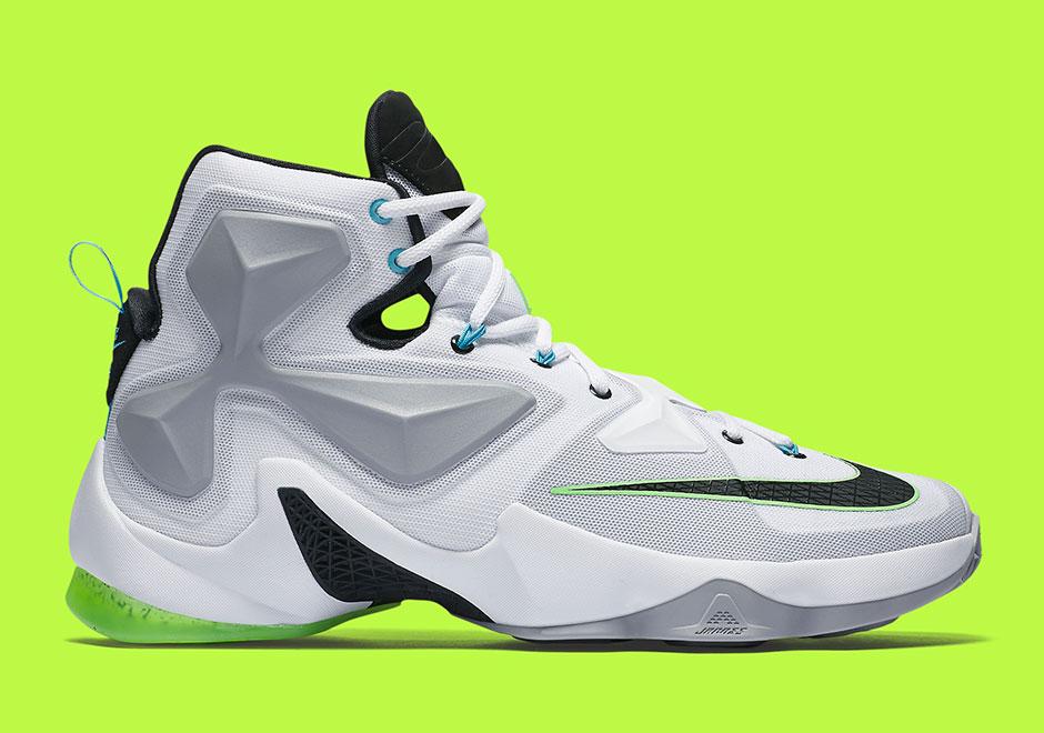 sports shoes 5a0c6 949dd Nike LeBron 13