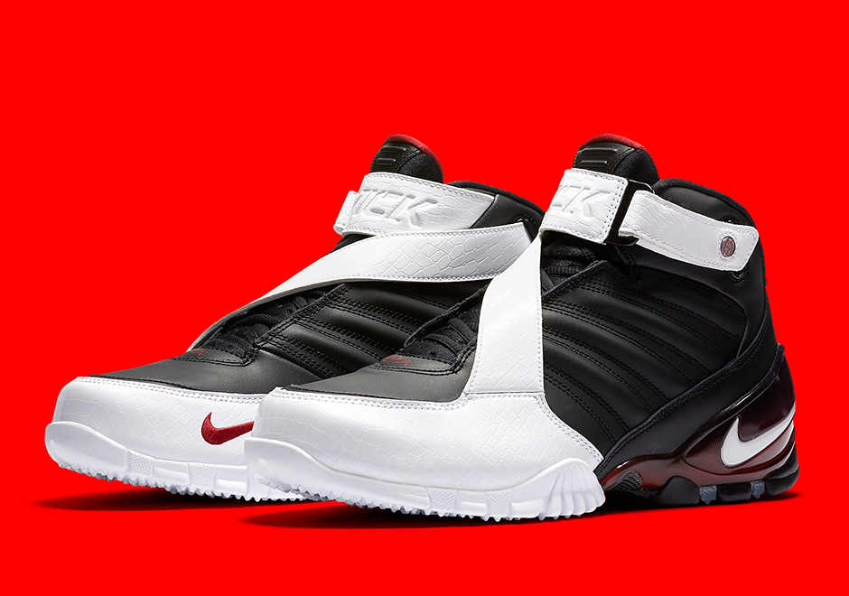 5f8c791878e8 We were surprised to see Nike Sportswear bring back a Michael Vick  signature shoe at retail last year with the return of the electric  quarterback s second ...