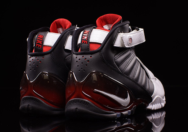 meet 51f8d fe591 Nike Zoom Vick III Falcons Available   SneakerNews.com