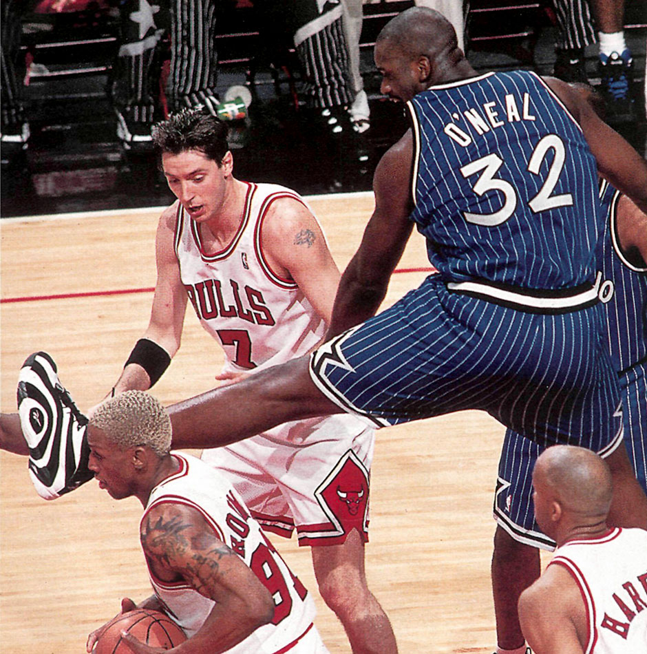 shaquille-oneal-reebok-shaqnosis-action-3.jpg