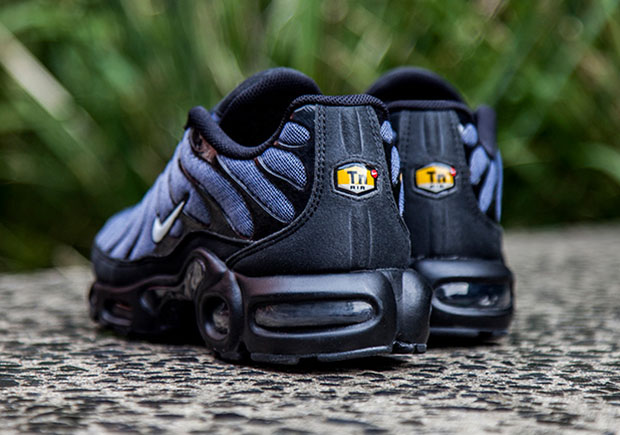 on sale ef41b d38ba Nike Puts Denim Twill On The Air Max Plus