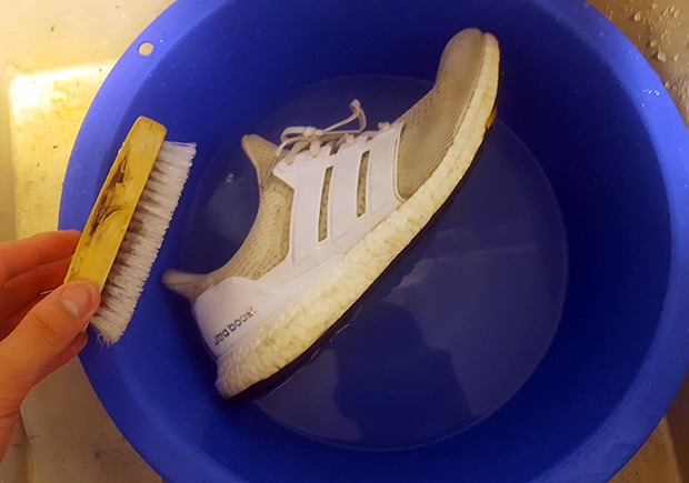 3da51c2418d Redditor Gives Awesome Step-By-Step Cleaning Tutorial For Cleaning White  Ultra Boosts