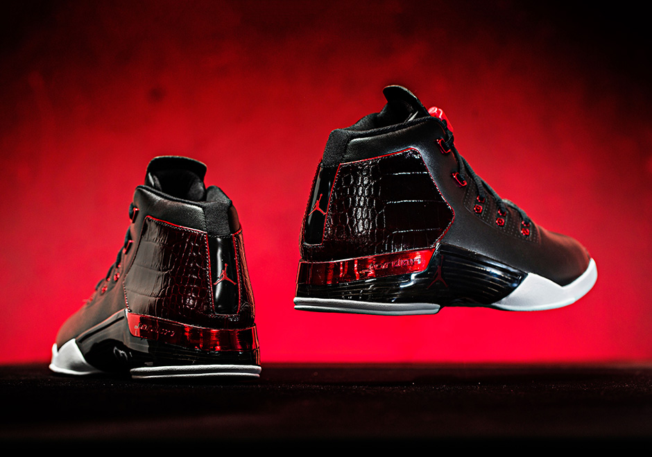 https://sneakernews.com/wp-content/uploads/2016/05/air-jordan-17-bred-chicago-release-details-02.jpg