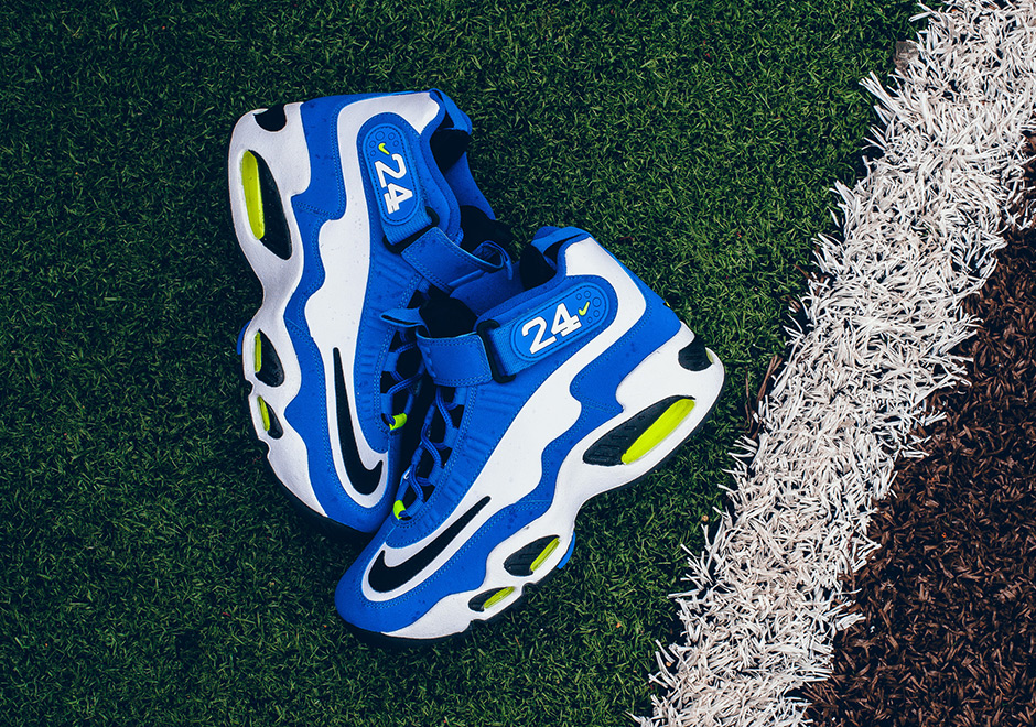 finest selection 9918a 08ea3 Nike Air Griffey Max 1 Varsity Royal Available | SneakerNews.com