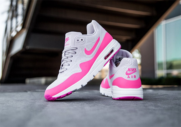 sneakers for cheap 1dde2 a9f65 Nike WMNS Air Max 1 Ultra Moire Bubblegum   SneakerNews.com
