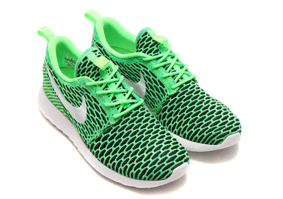 check out 8ccfd 12833 Nike WMNS Roshe One Flyknit