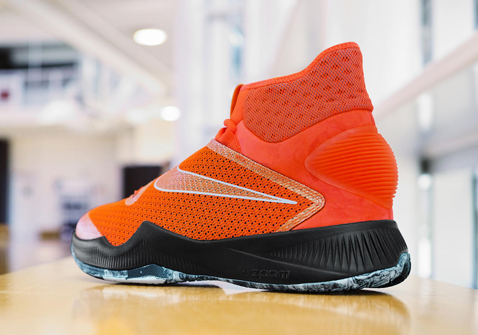 ... 2016 BLOODY RED Skylar Diggins Nike Hyperrev PE Pays Tribute To Her Mom  ...