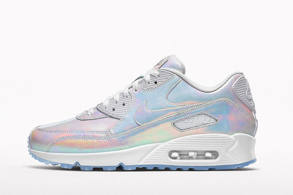 nouvelle arrivee 46d8d cfd55 NIKEiD Iridescent collection Summer 2016 | SneakerNews.com