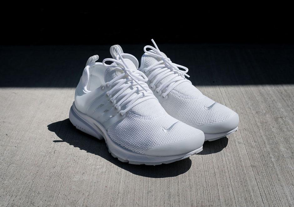 888b404905be Nike WMNS Air Presto. Color  White Pure Platinum