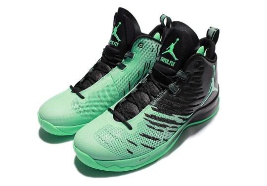 "Blake Griffin's Jordan Super.Fly 5 To Release In ""Green Glow"""