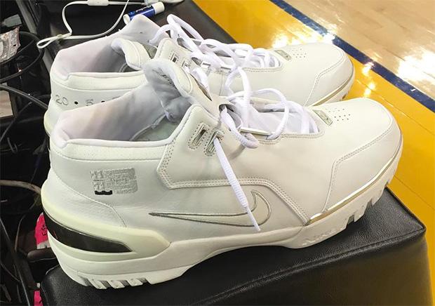 0e4e5b2b5f2 LeBron James Wears Nike Air Zoom Generation