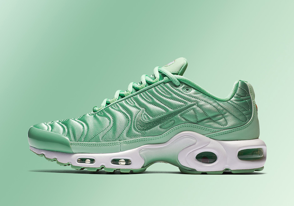"80ae79e619d Nike Air Max Plus ""Summer Satin"" Pack"