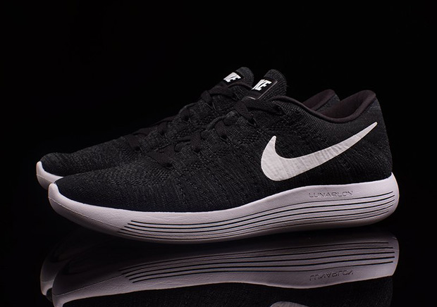best website 99fdf 21a73 The Nike LunarEpic Flyknit Low Is Available - SneakerNews.com