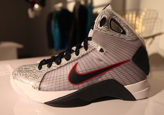 """Nike To Release The Hyperdunk """"United We Rise"""""""