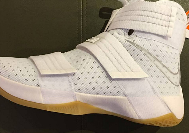 new concept 363b9 0ba7a Nike LeBron Soldier 10