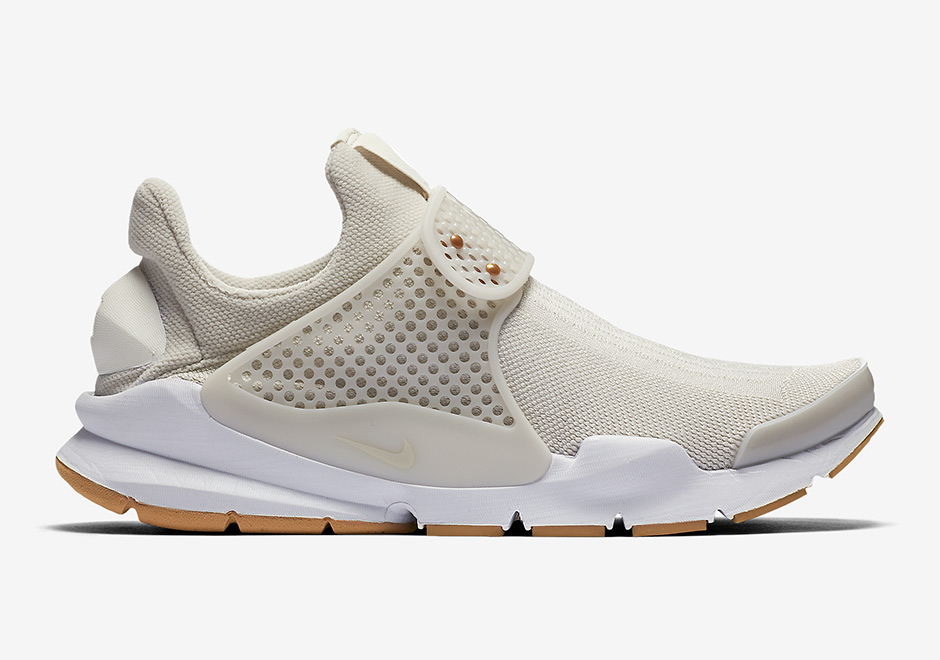 febcd33178a4 Women s Only Nike Sock Darts Continue In July