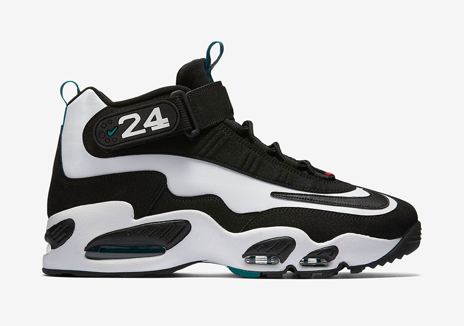 d446e28dcc01 Flashback to  96  Nike Air Griffey Max - SneakerNews.com