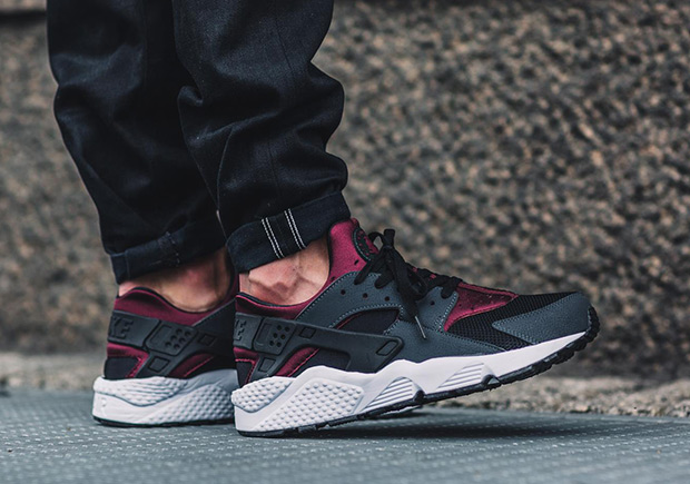 This latest look for the Nike Air Huarache may have you thinking \u201cBordeaux\u201d, thanks to its blend of black, dark grey, and maroon shades.