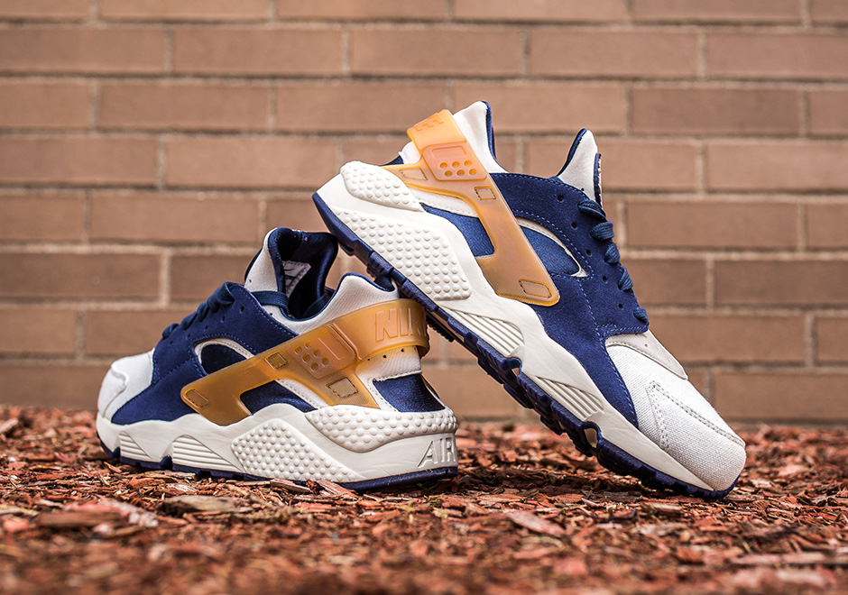 nike huarache navy and pink