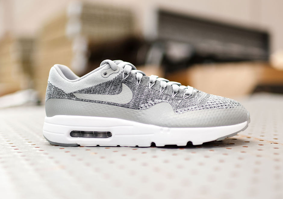 Air Max 1 Flyknit Gris