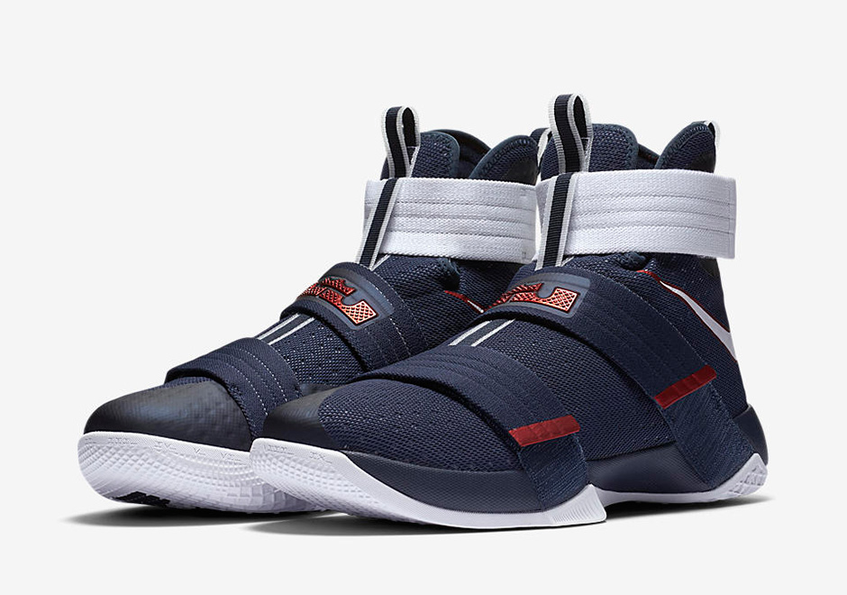 separation shoes 1df91 5db7a Nike LeBron Soldier 10