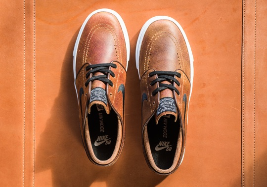 "Distressed ""Ale Brown"" Leather Arrives On The Nike SB Janoski"