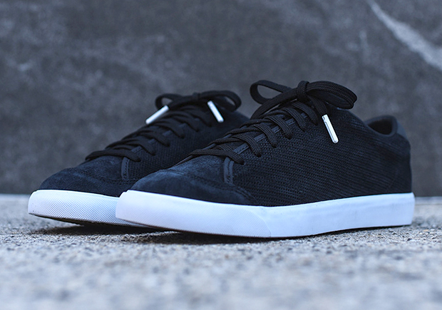 premium selection 62bb8 3c92e NikeLab All Court 2 Low