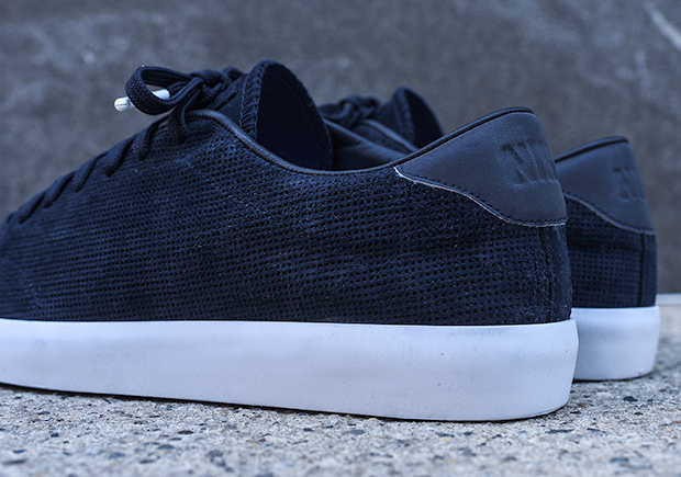 773be0c90ae9 ... NikeLab All Court 2 Low ...