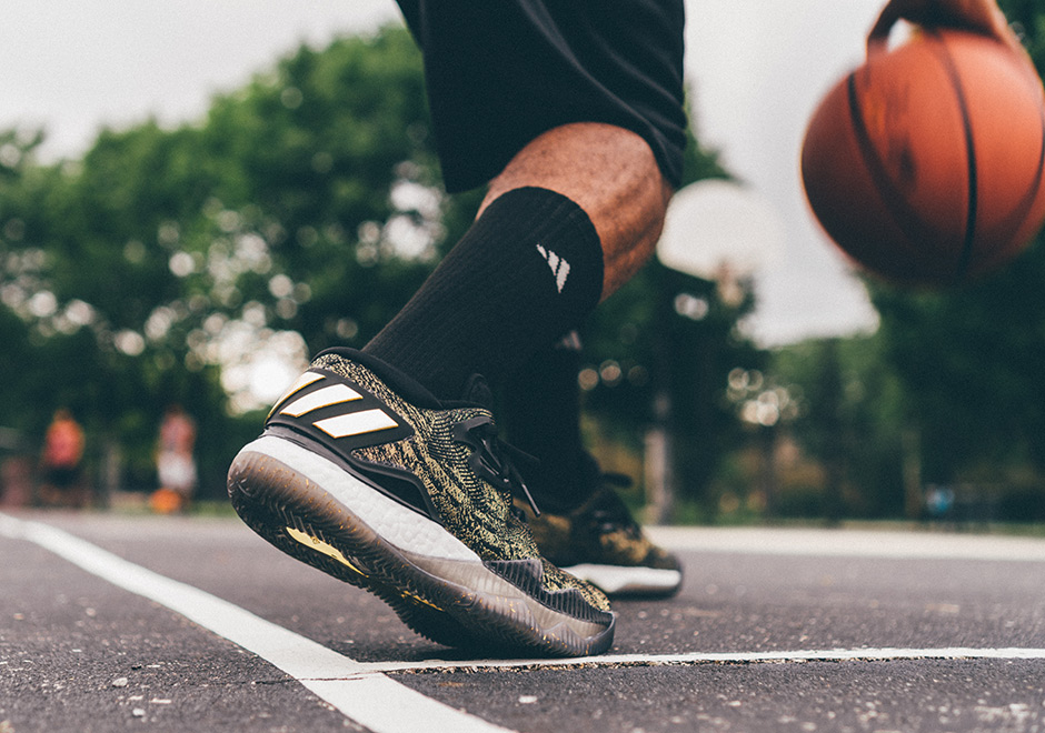 9d2d257607f0 adidas Crazylight Boost 2016 Is Better Than Ever in Black   Gold James  Harden PE - SneakerNews.com