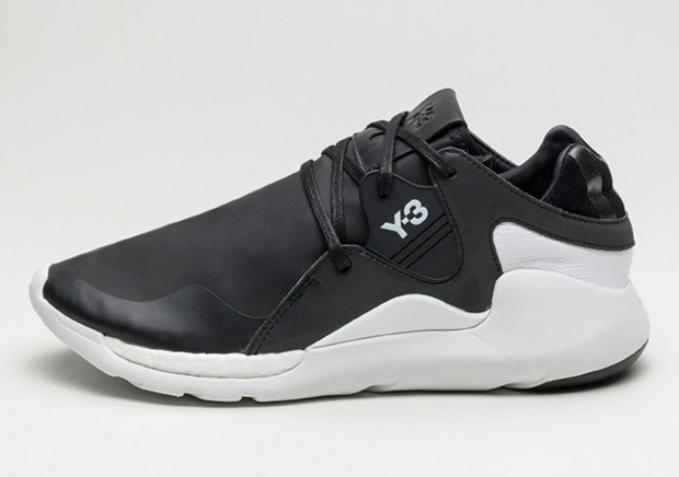 A Fall-Ready adidas Y-3 QR Run Is Hitting Stores Soon