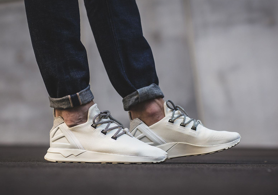 eb428caf75b25 The adidas ZX Flux ADV Uses Yeezy 350 Laces
