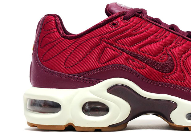 sale retailer 2ec60 5e000 Nike Air Max Plus Satin Night Maroon 848891-600 ...