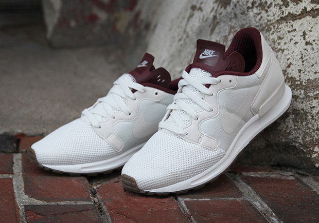 "sports shoes a83ed d0ef5 Nike Air Berwuda Premium ""Night Maroon"""