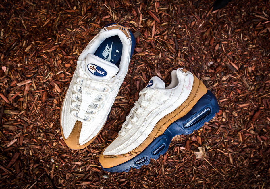 purchase cheap 59cee 90ed6 Nike Air Max 95 PRM. Color  Ale Brown Midnight Navy Sail Pearl Pink