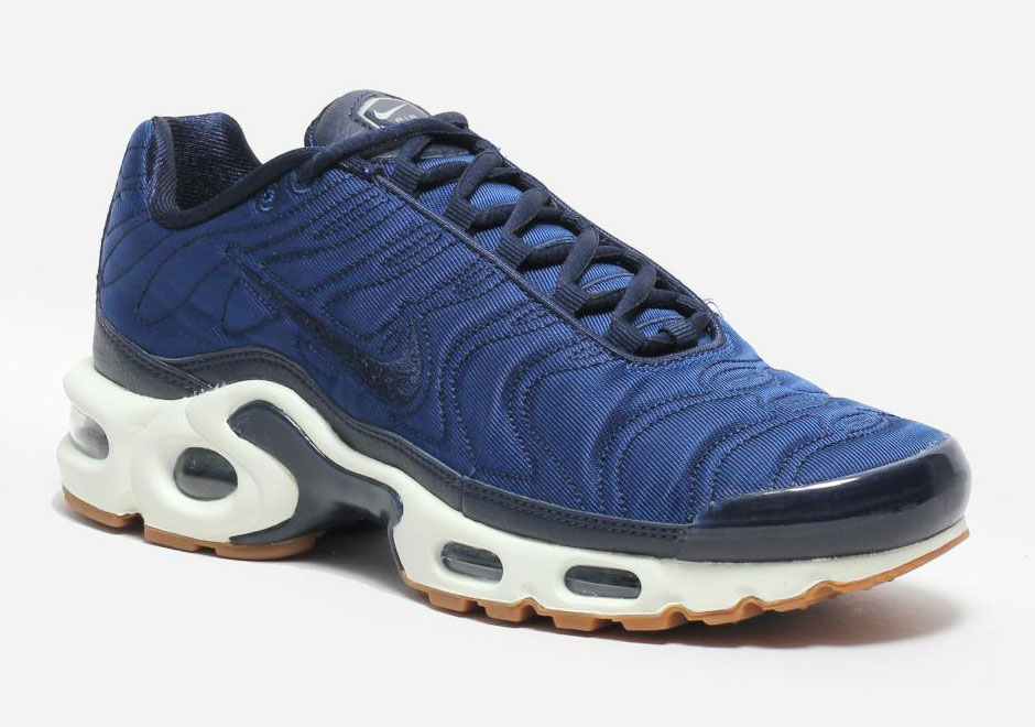 Nike Air Max Plus Satin Pack Crystal Blue  e85f8d223