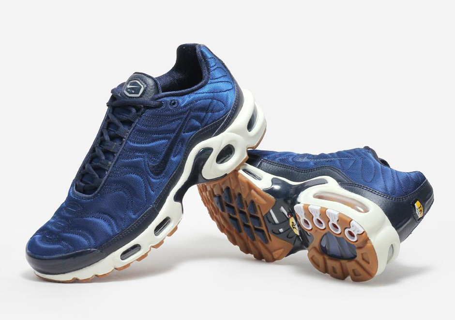 5eb6e20ce3 Nike Air Max Plus Satin Pack Crystal Blue | SneakerNews.com